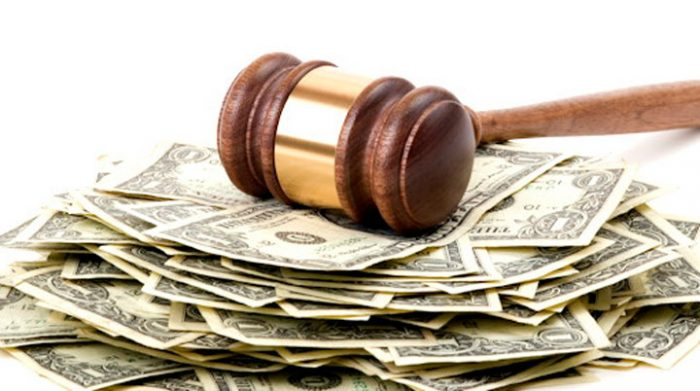 Frais bancaires abusifs : comment les repérer et comment les contester ?